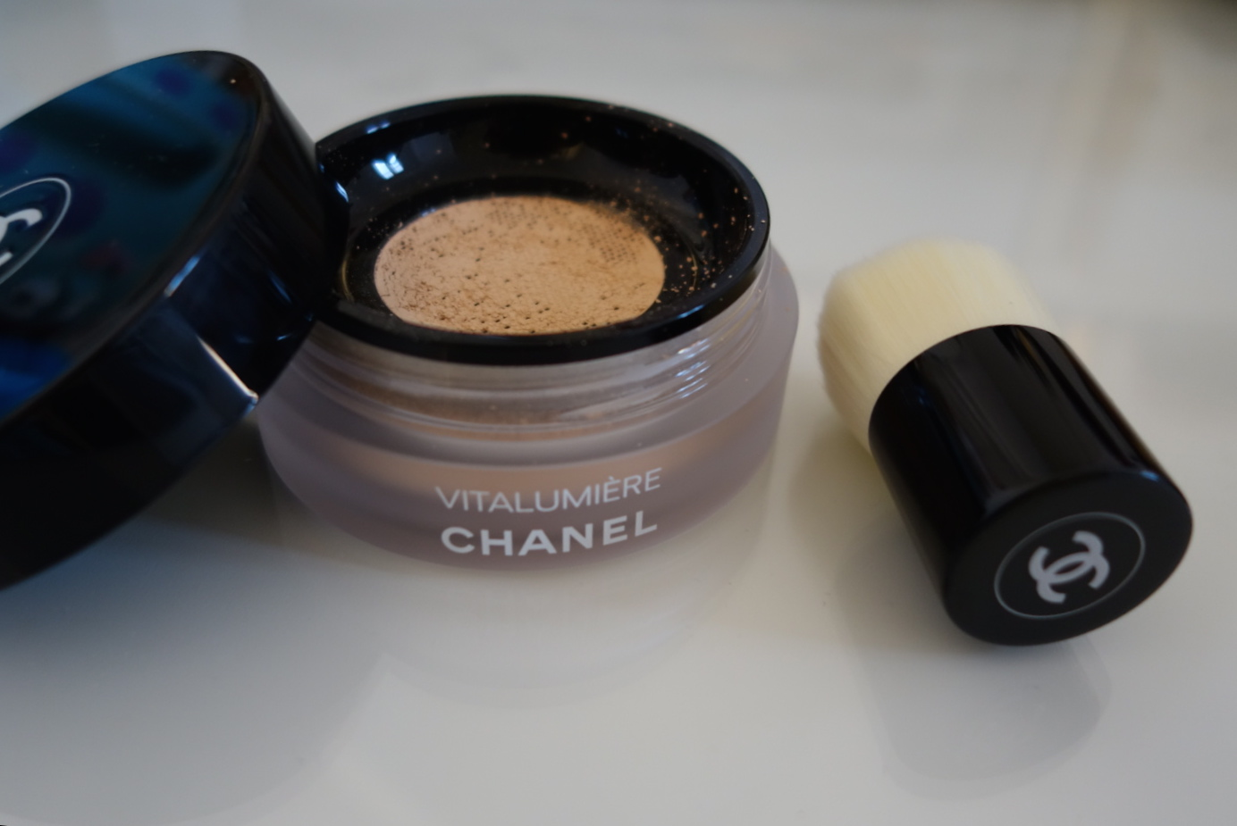 chanel loose powder foundation review