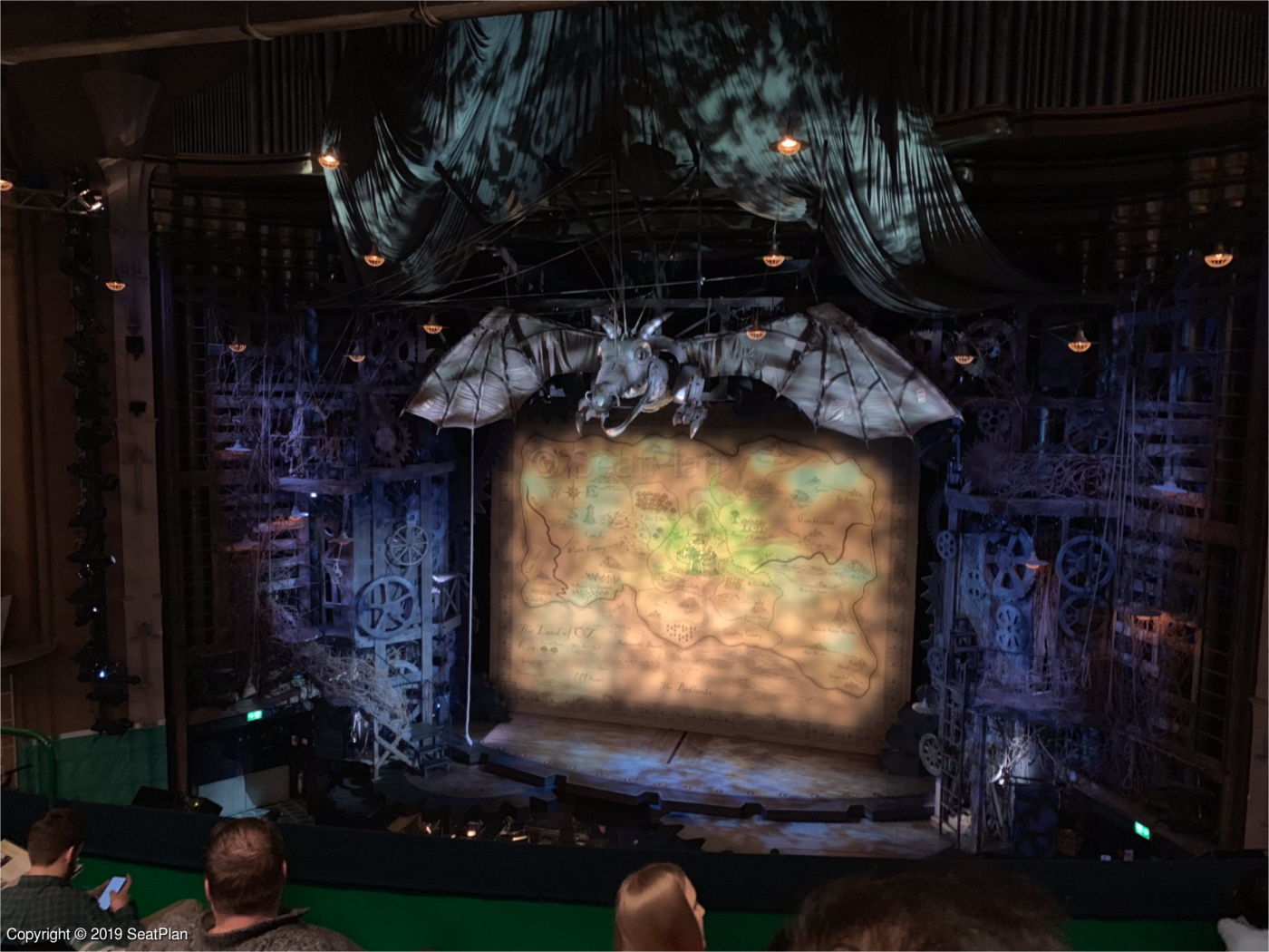 apollo victoria theatre seating reviews