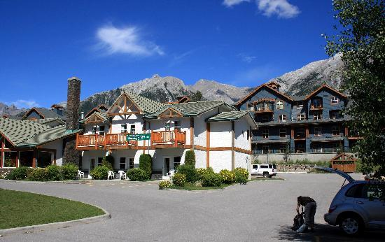 canmore rocky mountain inn reviews
