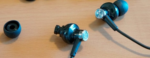 audio technica in ear headphones review