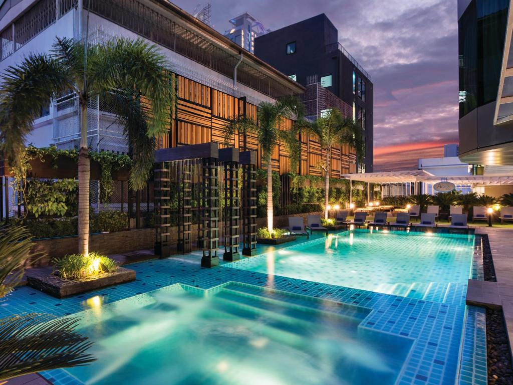 solitaire bangkok sukhumvit 11 review