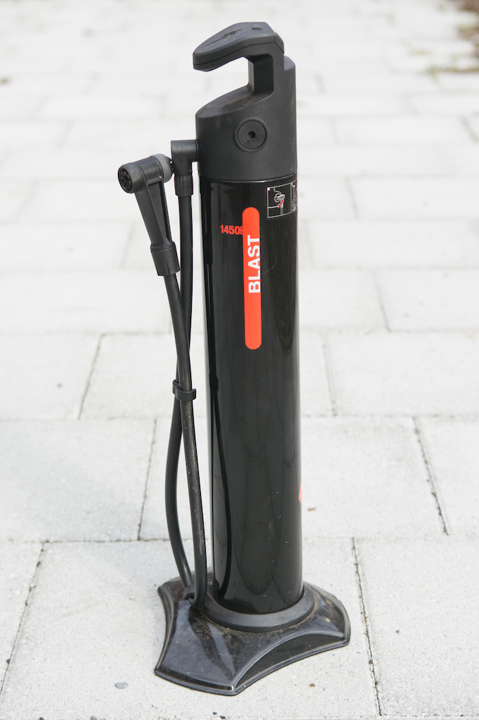 giant control tank tubeless inflator review