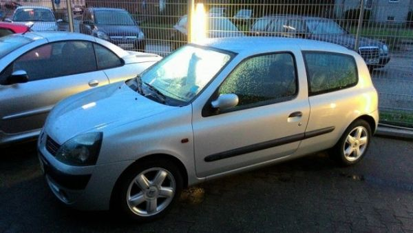 renault clio expression 2002 review