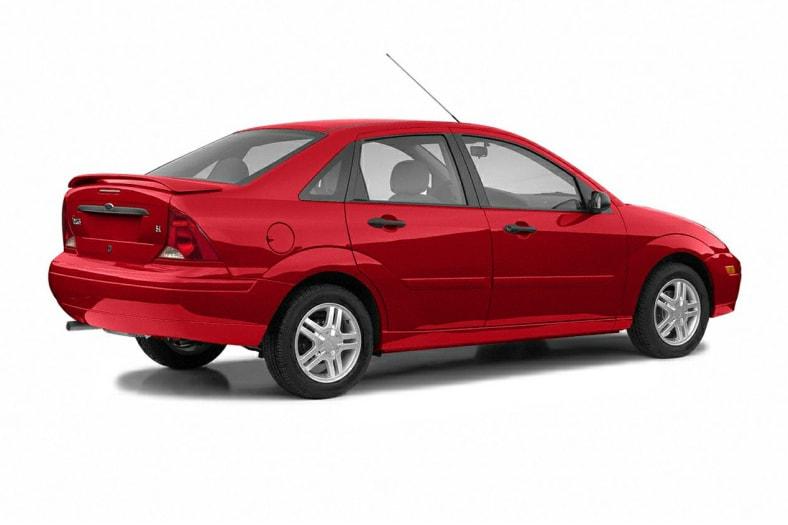 2004 ford focus sedan reviews