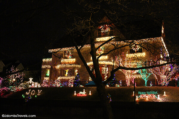 a slice of brooklyn christmas lights tour review