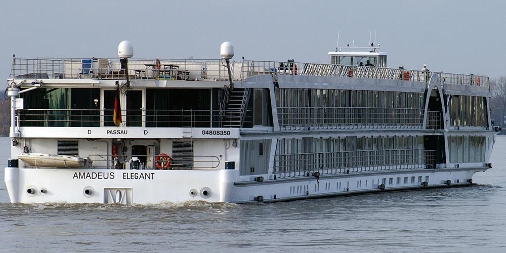 amadeus brilliant river cruise ship reviews