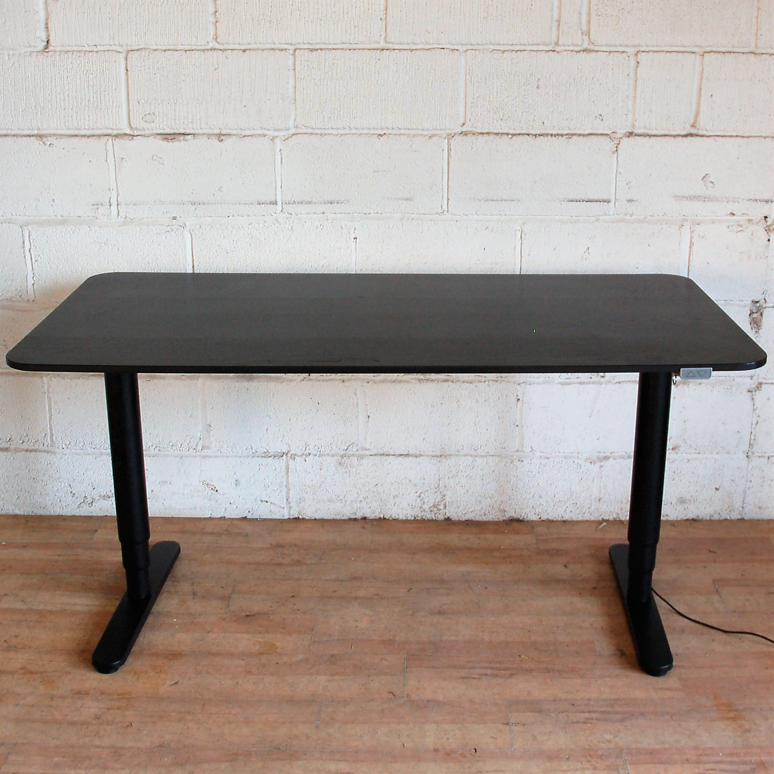 bekant sit stand desk review