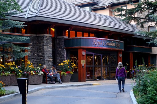 delta banff royal canadian lodge reviews