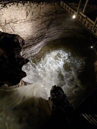 te anau glowworm caves review