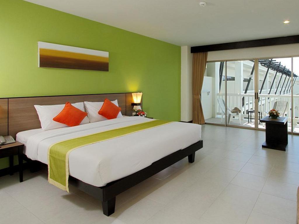 kata sea breeze resort phuket reviews