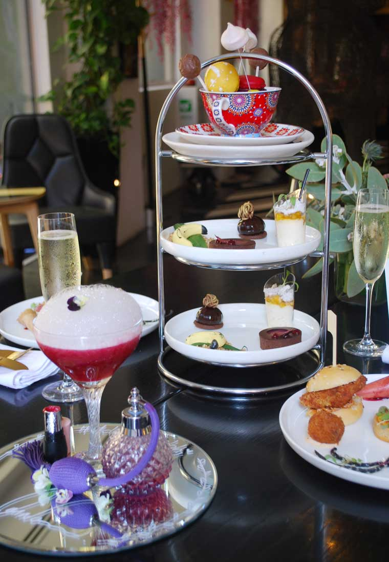 om nom high tea review