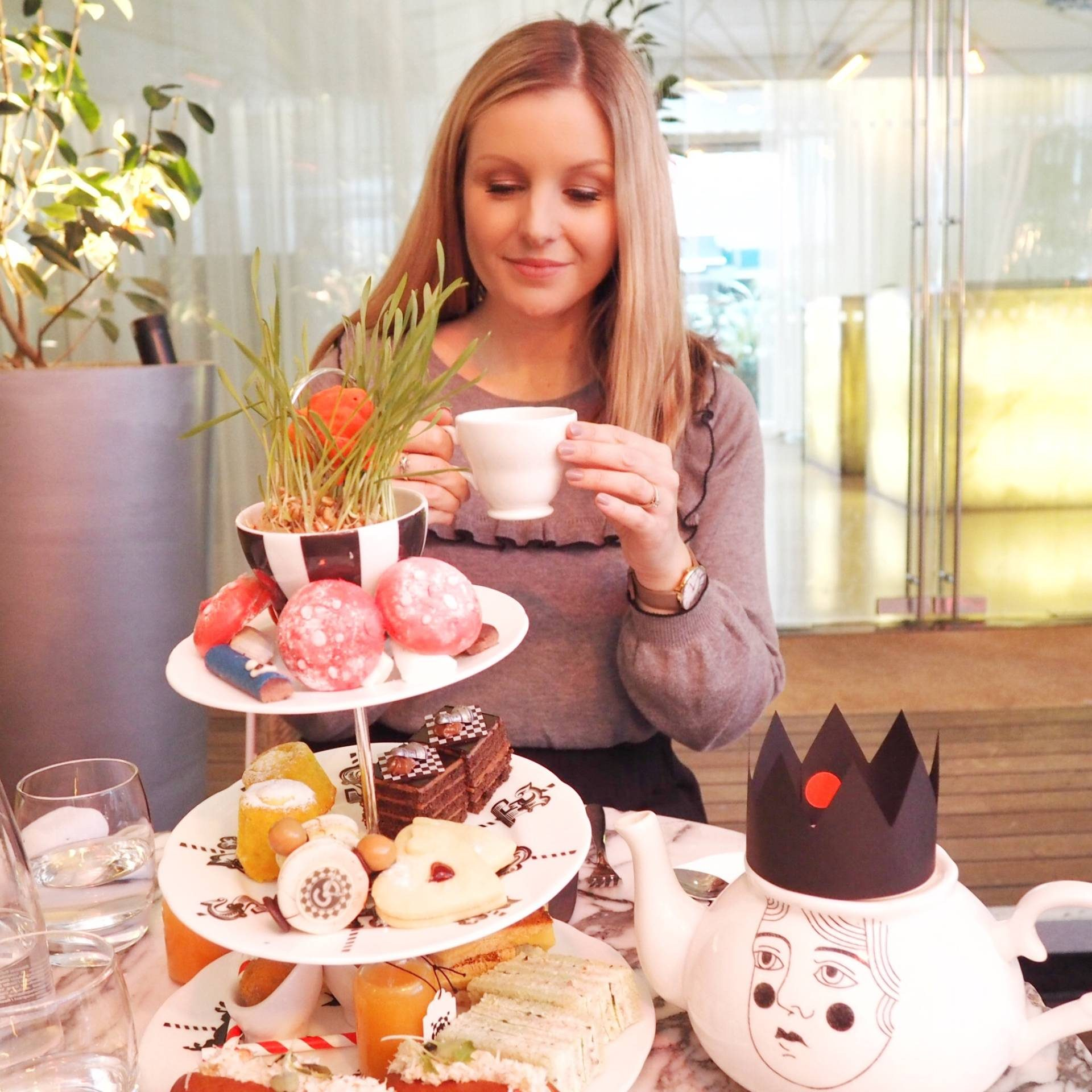 sanderson hotel afternoon tea review